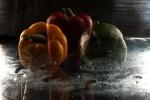 Das gläserne Paprika-Trio in Reihe