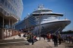 Caribien Princess im Hamburger Hafen