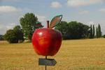 Apfel-Wegweiser zur Obstplantage des Ritterguts Erichshof
